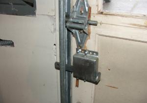 garage-lock